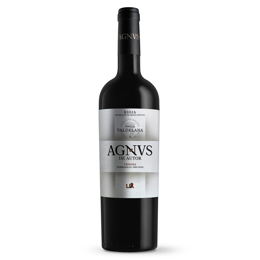 Vino crianza de la marca Agnvs compuesto por un 95% de uva tempranillo y un 5% de graciano, lo que favorece el envejecimiento. 12 meses en barrica. Un vino Rioja sobrio y poderoso, perfecto para carnes, guisos y legumbres.