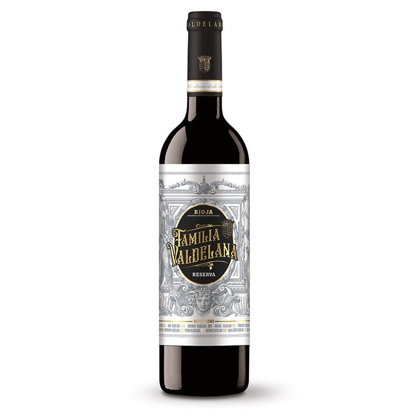 Vino reserva de Rioja de la marca Familia Valdelana compuesto de un 95% de uva tempranillo y un 5% de graciano, combinación perfecta para un largo envejecimiento. 18 meses en barrica. Ideal para carnes, guisos, legumbres y postres.