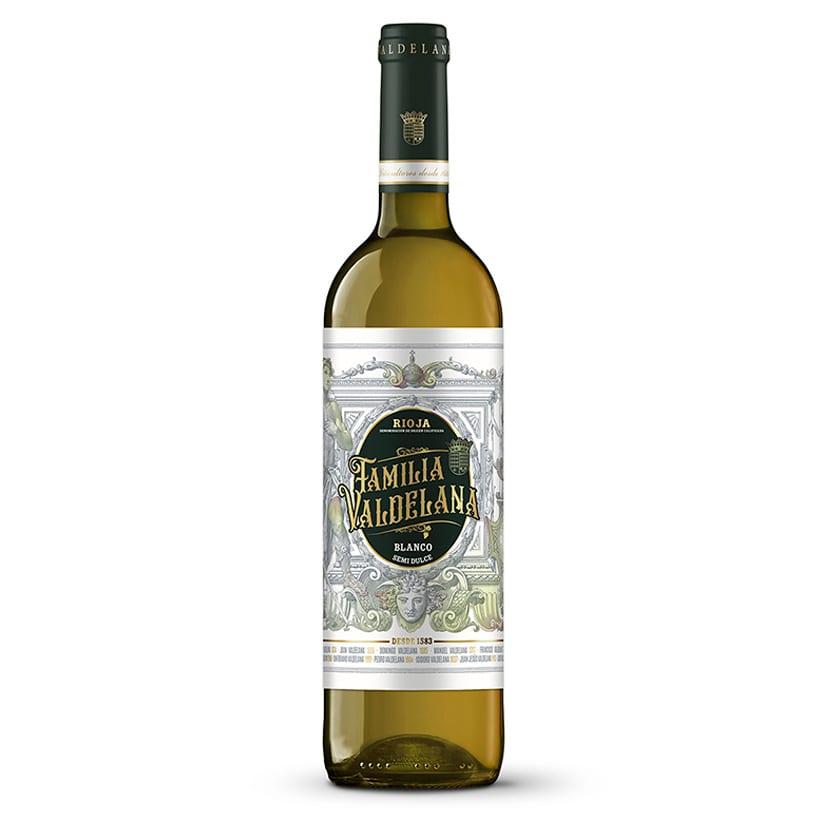 Este vino de Rioja blanco de Familia Valdelana está elaborado con uva 100% viura. Un vino ácido y sabroso, ideal para combinar con arroces, pastas, carnes blancas y pescados.