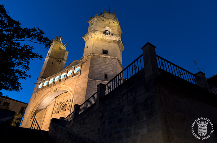 Iglesia de San Andrés por la noche (Elciego, Rioja Alavesa)