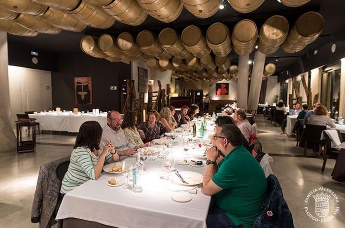 Cenando en el restaurante del Hotel Viura (Villanueva de Álava, Rioja Alavesa)