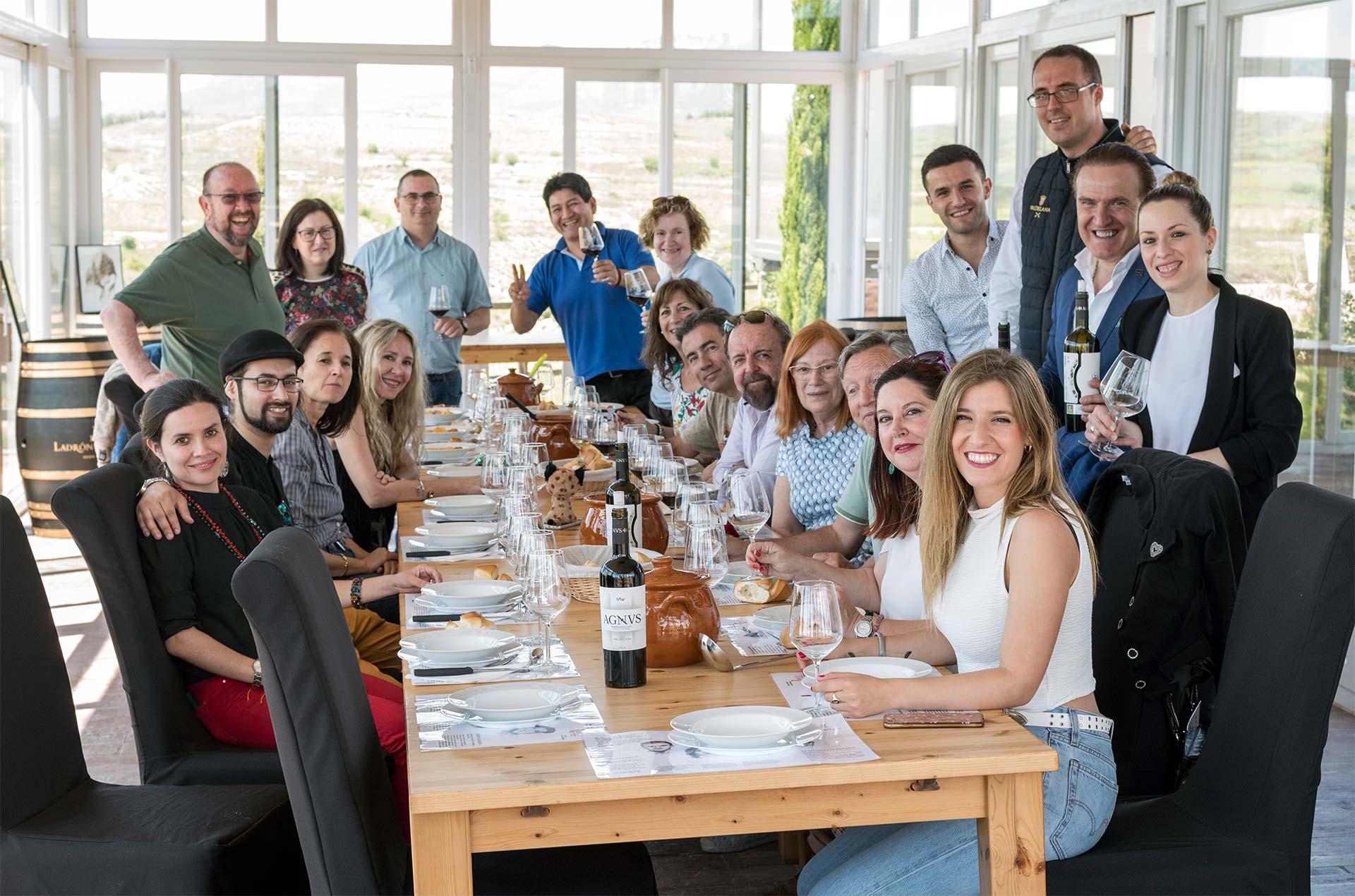 Expertos de diversos proyectos relacionados con el mundo del vino visitaron Bodegas Valdelana para conocer de primera mano nuestro proyecto enoturístico