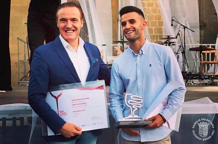 Juanje y Juan Valdelana recogen premios en la fiesta de la vendimia de Rioja Alavesa 2018